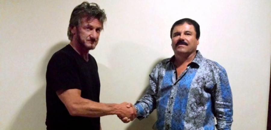 """L'acteur et réalisateur américain Sean Penn lors de sa rencontre avec le baron de la drogue Joaquin """"El Chapo"""" Guzman"""